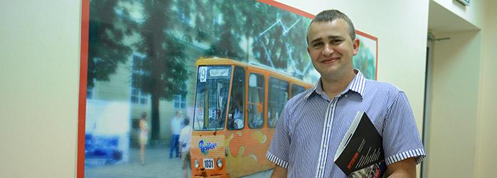 Олег Майовець - директор