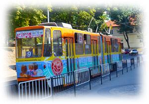 Реклама на трамваях у Львові