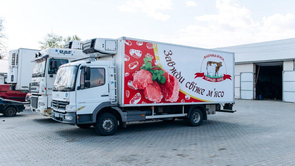 брендування грузовика